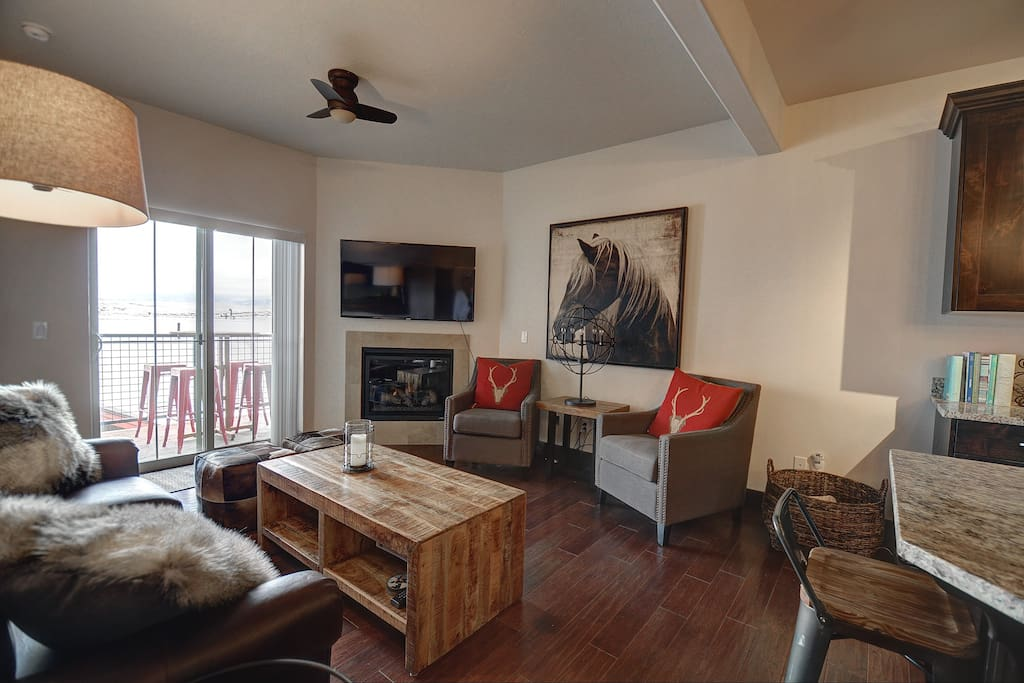 Living Room with Comfortable Seating, TV and Gas Fireplace