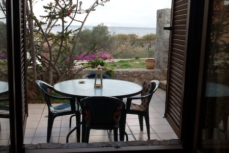 """Sunrise 2"",seaside family apartment - Panagia"