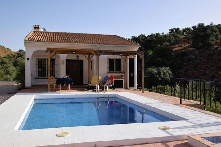 Detached holiday home with private swimming pool, beautiful location and with complete privacy