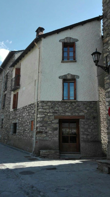 Maison de village a Benasque. 8 pers. 7 nuits