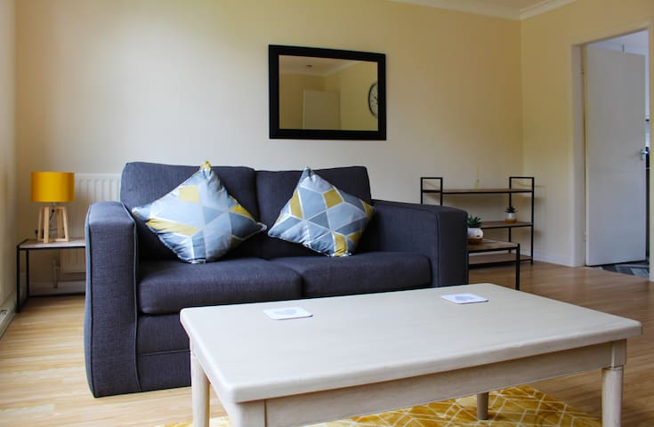 DURHAM SERVICED APARTMENTS ⭐ AMENITIES & TRAVEL LINKS ON THE DOOR STEP