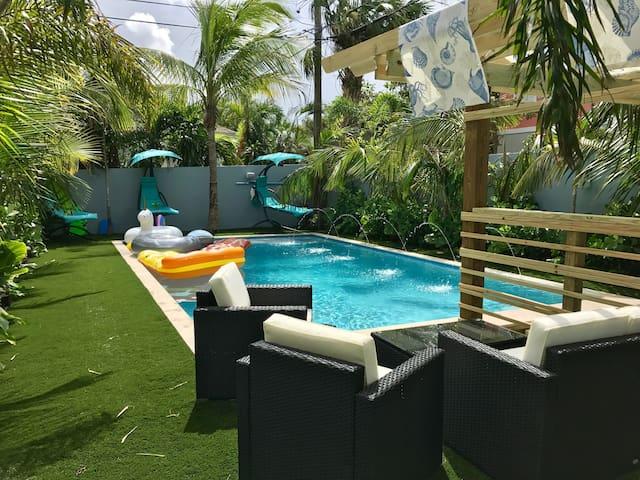 Tropical Garden Bungalow A