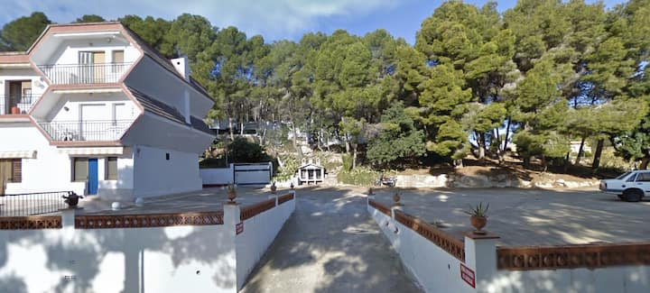 35m2 quiet apartment between beach & mountains