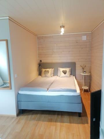 160 cm bred säng