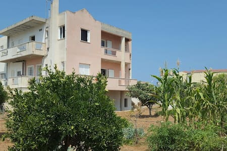 Single room in spacious house - Korinthia