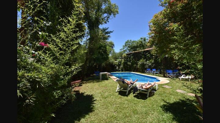 Habitación Doble céntrica con piscina y Beer Bar