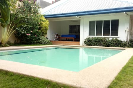 Felisa's Guesthouse in Davao (w/ pool & kitchen)