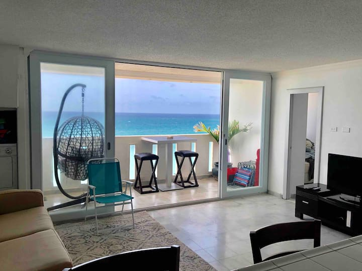 Condado Oceanview 2-Bedroom with Balcony & Pool!