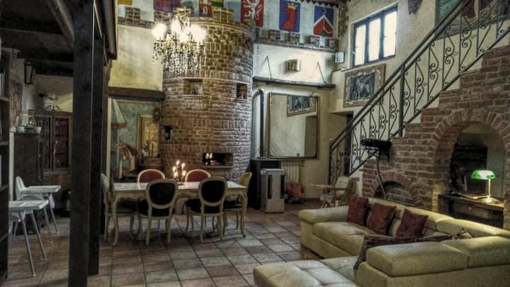 Atmosfera Medievale sulla Via Francigena