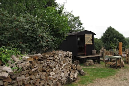 The Shepherds Hut at Hills Corner - Godshill