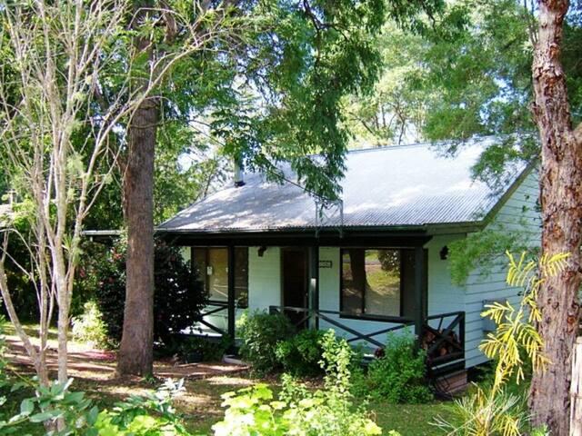 Jenoma Cottage - Kangaroo Valley - Cabane