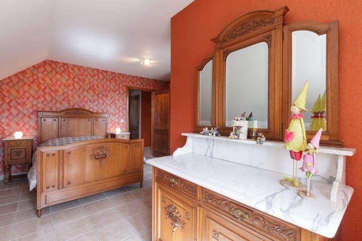 Kamer 2 met bed 140 x 200 + bed 90 x 200.