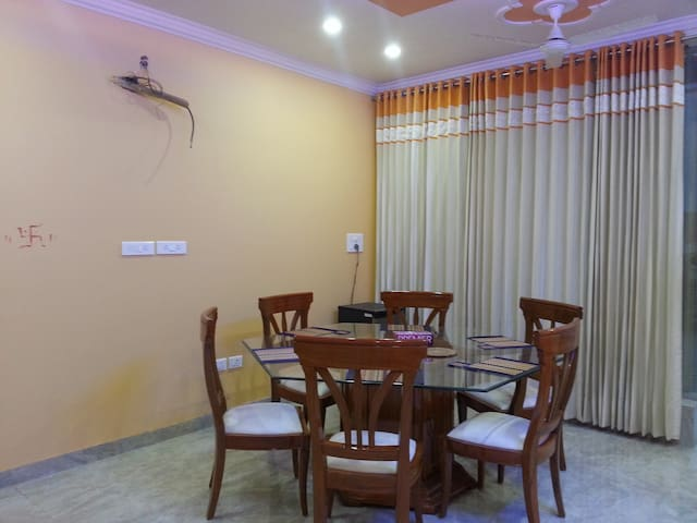 Homestay with Bedroom, Kitchen, Lobby, Breakfast