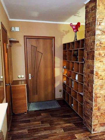 коридор, прихожая, входная дверь