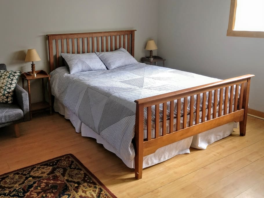 Luxury queen size bed