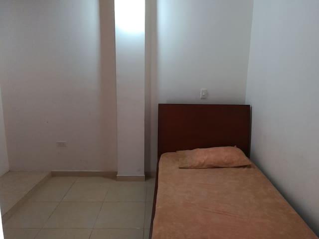 Habitación, con entrada independiente