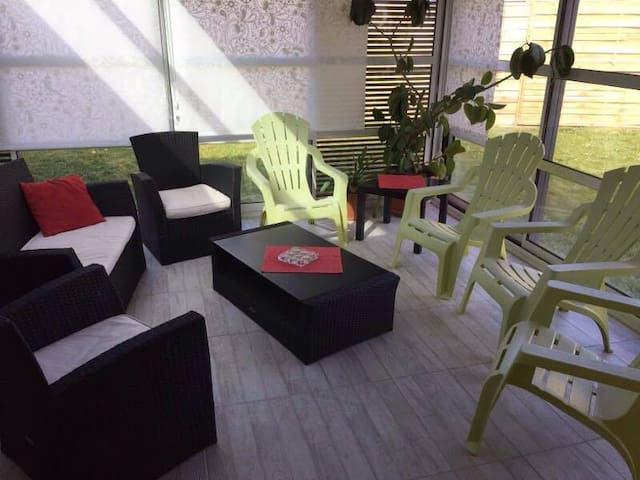 Maison lumineuse pour 8-9 personnes - Nesmy - House