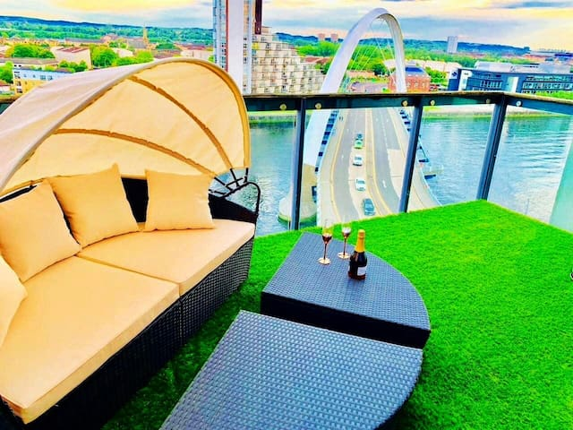 Glasgow CityCentre PENTHOUSE 3bed/Hydro/Riverviews