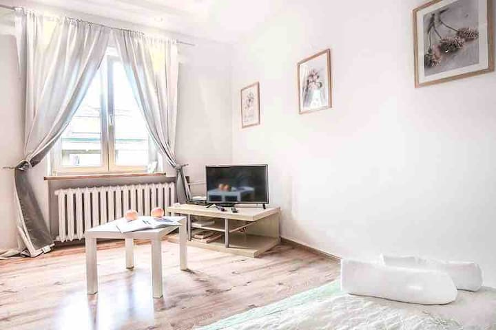 B&A Old Town Charming Studio ✔