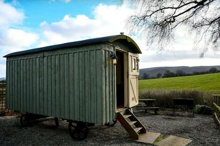 Quaint Shepherds Hut