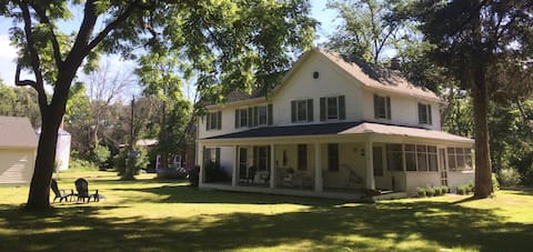 Fox River Country House