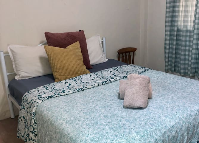 Private room in Phaya Thai with Bathroom & wi/fi