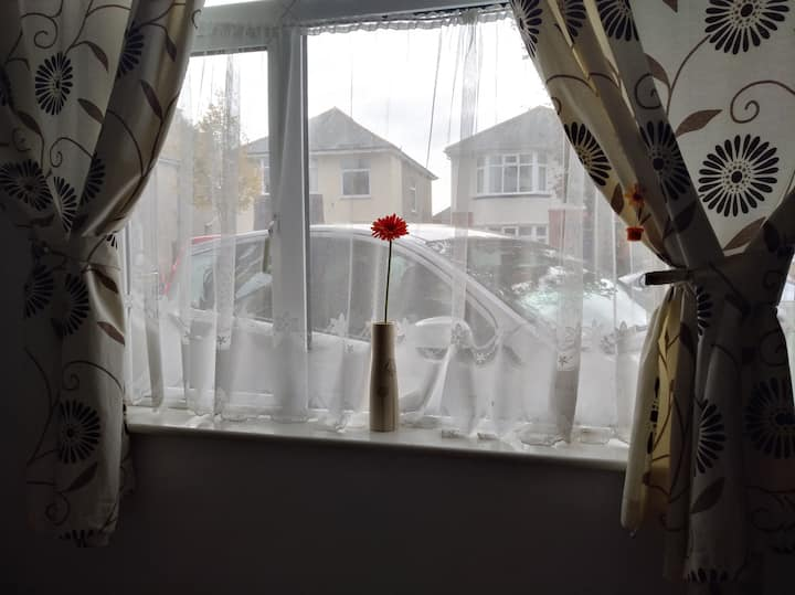 Bright Double room in Bournemouth