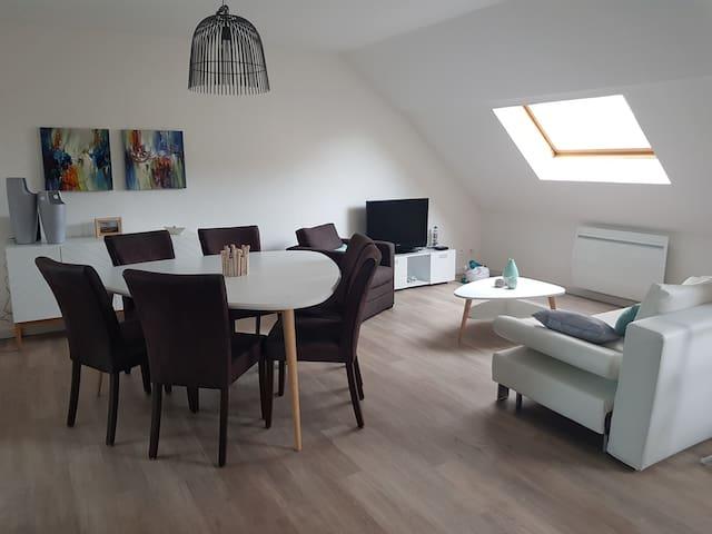 Appartement confortable et spacieux, plage à 150 m
