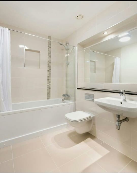 Private bathroom during your staying (no en-suite)