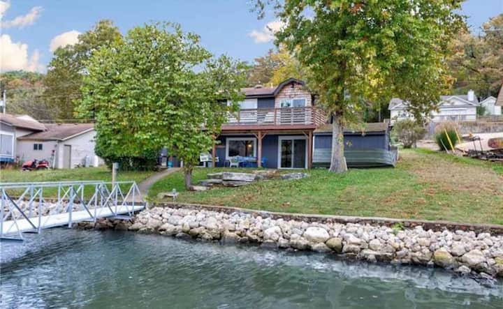 Lakefront House with Dock in Captain Ron's Cove