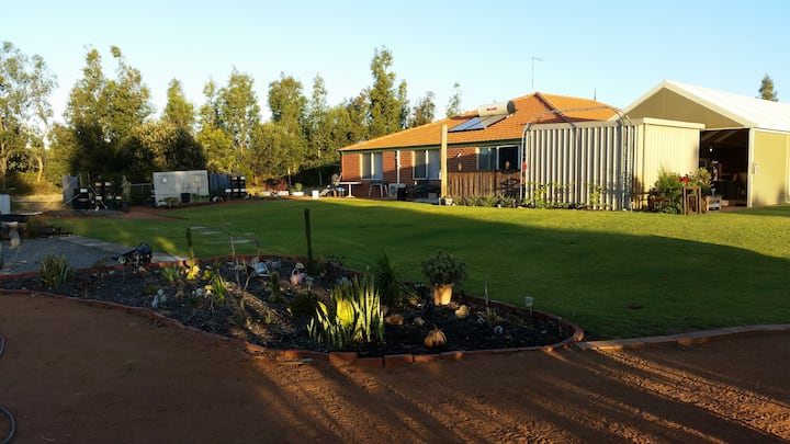 MOORE RIVER RELAXATION- Includes cooked breakfasts