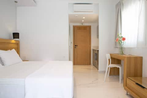 NEW AND BEAUTIFUL SMALL HOTEL ROOM