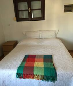 Rooms in a Villa in Tarabya available min. 1 week - Sarıyer - Villa
