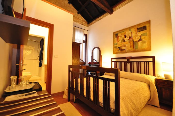 Casa Mundula Historical City Centre - Cagliari - Bed & Breakfast