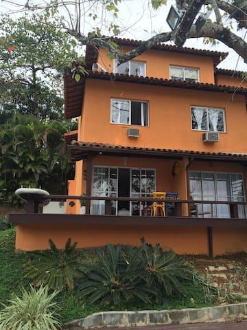 Casa em Angra dos Reis - Angra dos Reis - Apto. en complejo residencial
