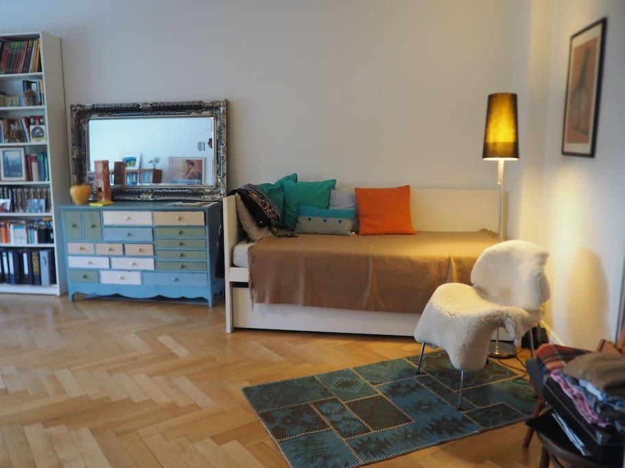 room  (30 qm) -  Schlafzimmer