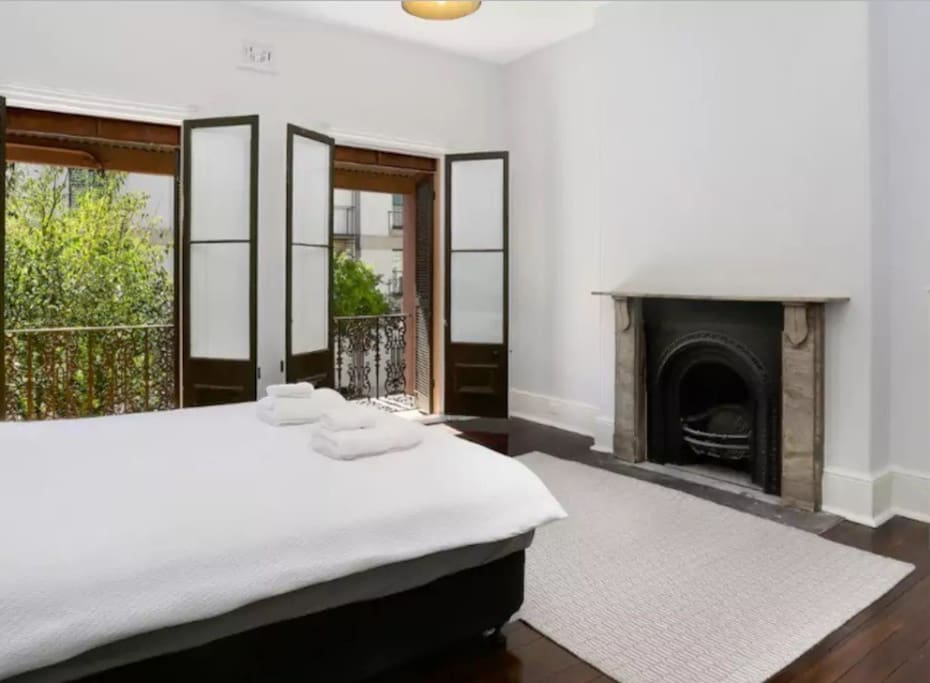 "Bedroom. Mark - ""If you want a central bolt hole in Sydney it couldn't get better than this. We didn't catch a taxi all week because it is so central, yet quiet too. Upmarket accommodation which suits families. Suzanna is a great host if you need tips or advice while you are staying."""