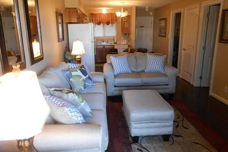 Awesome Condo For Affordable Trip! - Gulf Shores