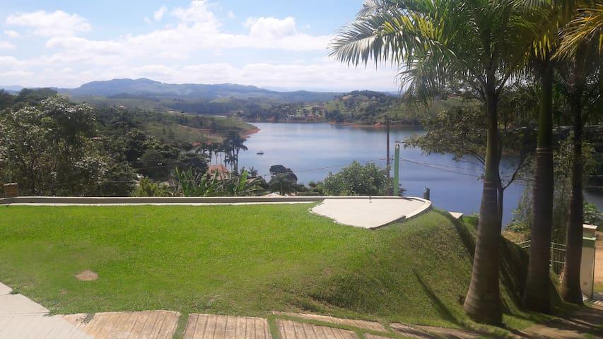 Apartamentos na Represa de Igaratá - Igaratá - Pis