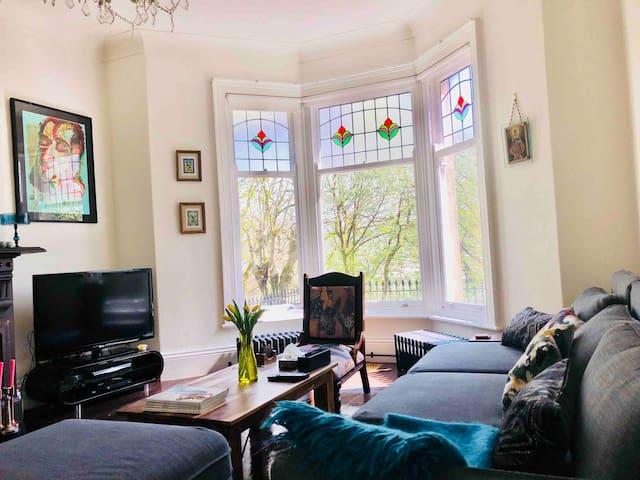 Luxury Victorian  Family Cottage Sleeps 10 -