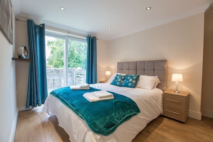 Chelmsford Serviced Moulsham Apartment
