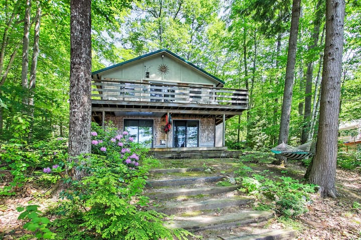 New! Waterfront 2BR Casco Cottage w/ Private Dock!
