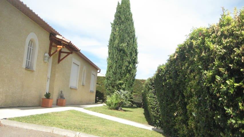 Belle villa de 160m2 idéale pour vacanciers - Grabels - Apartment