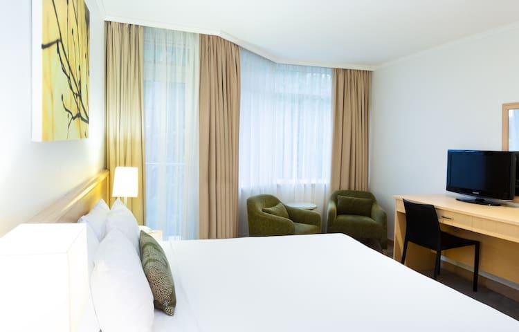 Metro Mirage Hotel Newport