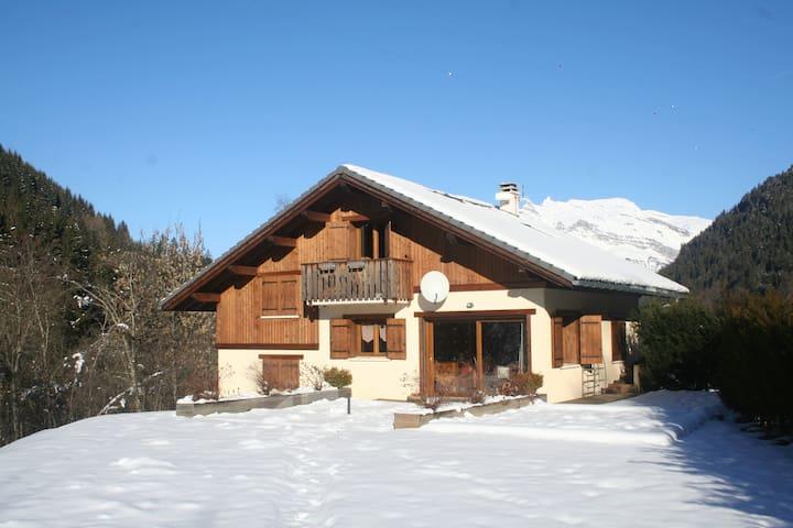 Modern 4 bedroom 3 bath ski chalet in St Gervais - Saint-Gervais-les-Bains - Casa