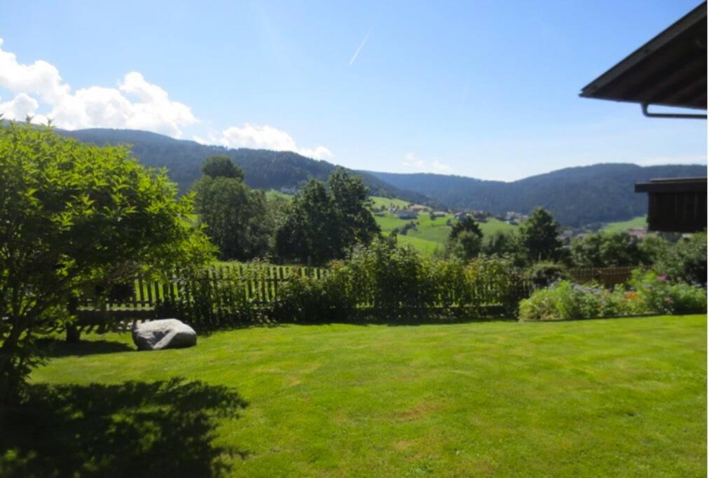 Appartamento di montagna con giardino ad avelengo for Appartamento monolocale di 600 m