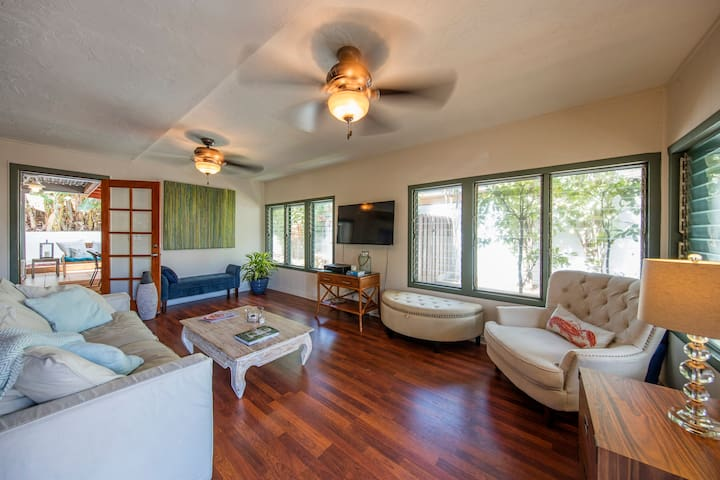 BEST PAIA LOCATION! 3 bed/2 bath BEACH House-  A/C - Paia - Talo