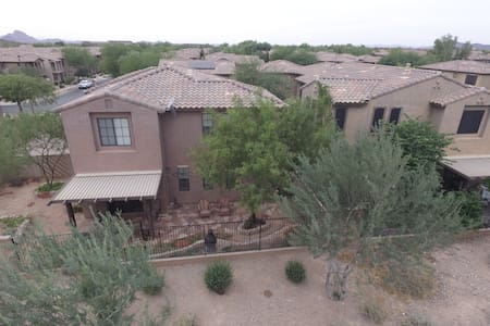 (2 Private Rooms + sofa) North Phoenix Getaway - Phoenix - Casa