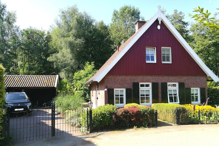 Luxurious holiday house, Lake Hilgelo, Achterhoek