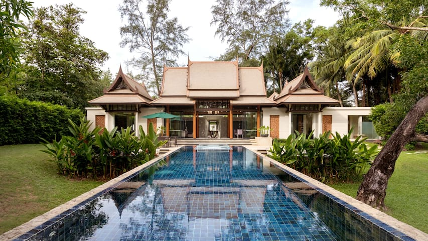 Banyan Tree Double Pool Villa